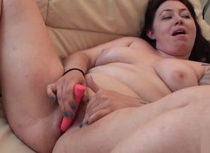 Brit Plus-size wanking for stranger