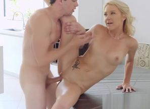 Man-meat deep-throating blond cougar..
