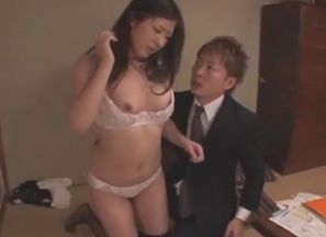 Kinky Asian bi-atch Jun Sena in..