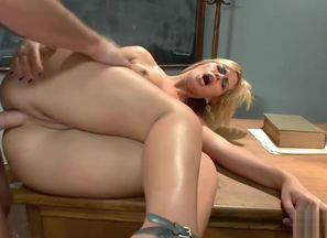 Blondie ultra-cutie loves to receive..