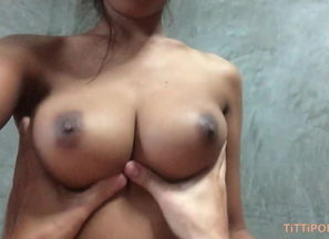 Chesty Thai gf gives the  head