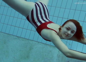 Lada Poleshuk red-hot underwater stunner