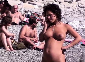 Naturist Amateurs Beach Hidden cam..
