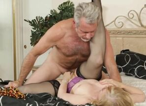 Nina Hartley - Splendid Mother in..