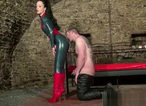 dominatrix in catsuit wants spunk on..
